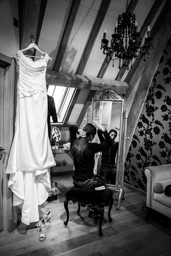 wedding photographer at red house barns